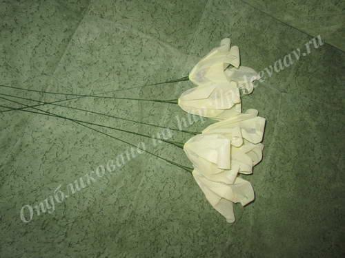 buket iz konfet lilii 15-min