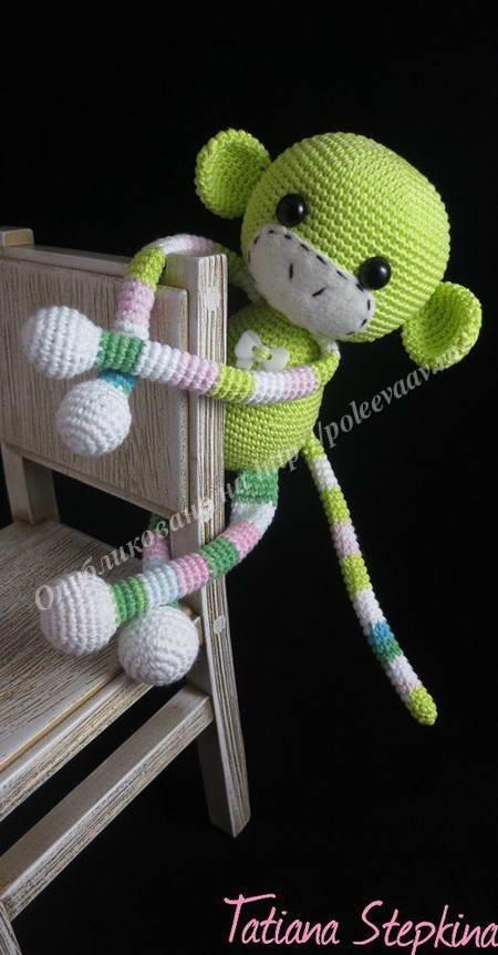 вязаная игрушка обезьянка