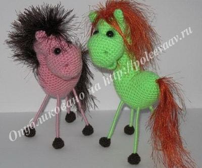 валентинка вязаная конь 27-min