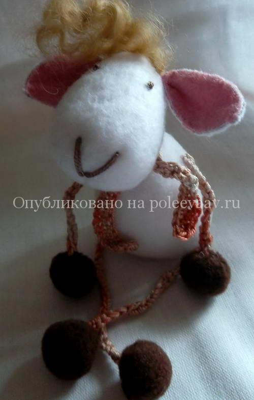 игрушка из флиса овечка